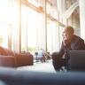 Beeld Werkgever 'bemoeit' zich graag met scheiding en andere privéproblemen van medewerker