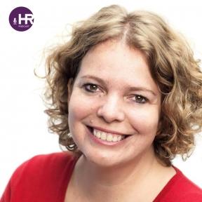Beeld De HR Podcast – Afl. 49: Versterken van digitale vaardigheden door innovatie