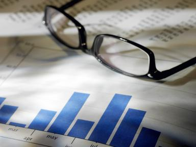 Beeld Arbeidskosten voor werkgevers per gewerkt uur kunnen structureel lager