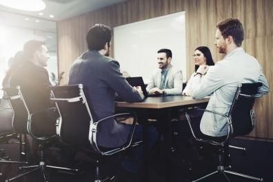 Beeld Meer dan een kwart van de medewerkers vindt directie niet betrokken genoeg