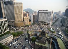 Beeld Centralisatie stopt, hoofdkantoren worden weer kleiner