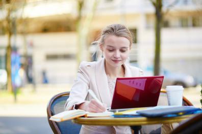 Beeld HR reserveert meer opleidingsbudget voor e-learning