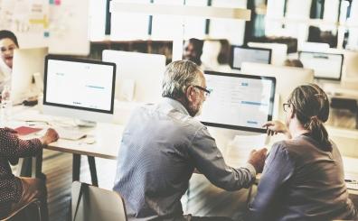 Beeld 81 procent Nederlanders wil samenwerking collega verbeteren