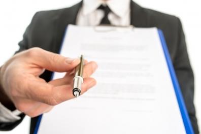 Beeld Aantal uitgegeven vaste contracten weer aan het dalen