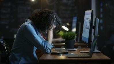 Beeld Ervaren werkdruk toegenomen door technologie en maatschappelijke veranderingen