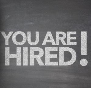 Beeld Werkgevers schalen nieuwe medewerkers hoger in en bieden vast contract aan